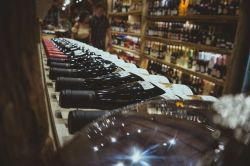 Photo for: Things Wine Stores & Supermarkets Should Keep In Mind While  Buying Wine for Their Customers in France