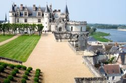 Photo for: LOIRE VALLEY: Royal Castles and Great Wines
